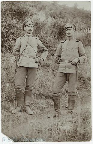 . подоф. Сивко Чакъров (вляво) с фронтовия другар Христо П. Каишев от с. Чокманово. ПМВ, 23.06.1918