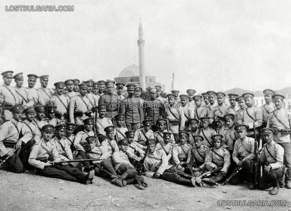 за запасни подпоручици в Скопие (Школата на Дрангов), III взвод, 5 а рота. Скопие, септември 1916 г.