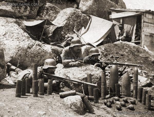 5 я рота 83 го пехотного полка на Кота 204 от позицията на 20 ти пехотен полк. ПМВ. Южния фронт