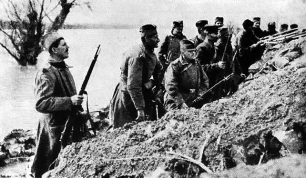 војник са Мосинком на Ада Циганлији