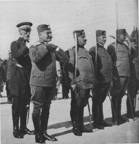 армия в Бизерте (Guépratte décore le colonel serbe Georgevitch) 01