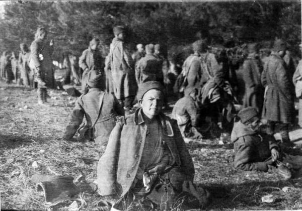 солдаты на острове Видо в 1916 году 01