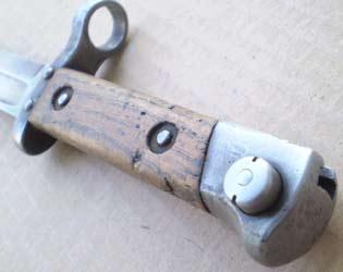 штык к винтовке Манлихер Шёнауэр М1903, переделанный в Болгарии под М1895 04