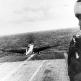 """Японский торпедоносец B5N2 """"Кейт"""" взлетает с авианосца """"Сёкаку"""" для атаки Перл-Харбора"""