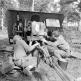 Американские артиллеристы обслуживают затвор трофейного орудия PaK 43 [2]
