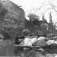 Бойцы РККА на позиции возле Суннитской мечети в Орджоникидзе