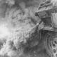 Немецкий бронетранспортер Sd.Kfz. 251 ставит дымовую завесу