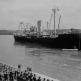 """Встреча немецкого транспортного судна """"Рио Гранде"""", доставившего каучук в Бордо"""
