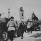 Красноармейцы и броневики БА-10 в освобожденном Шлиссельбурге