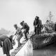Советские катера высаживают десант в районе Будапешта